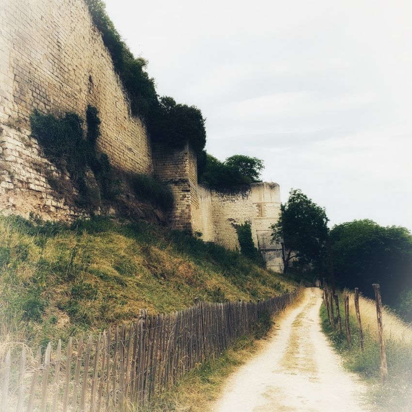 A walk around Chateau Chinon walls